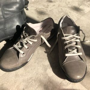 Gray leather shoes size 8